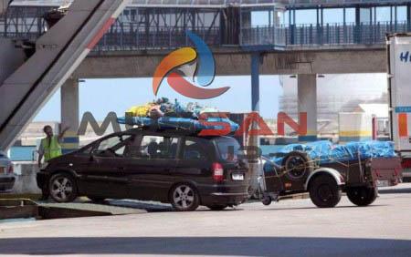 Le gouvernement promet une baisse des prix Marocains baisse du prix des billets de bateau
